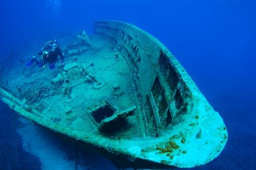 ενα υπέροχο ναυάγιο ιδανικό για καταδυτική εκδρομή στη Σύρο
